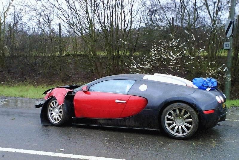 bugatti_veyron_smash_2.jpg